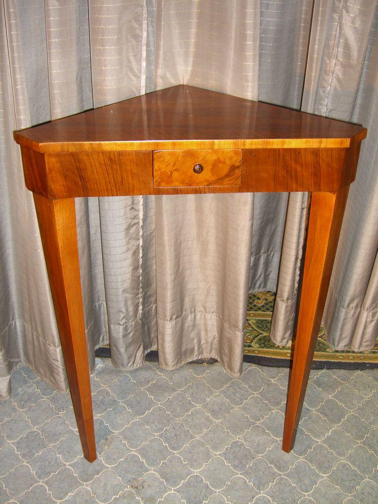 pflaumenholz ecktisch antike m bel antiquit ten restauration bracciali m nchen. Black Bedroom Furniture Sets. Home Design Ideas