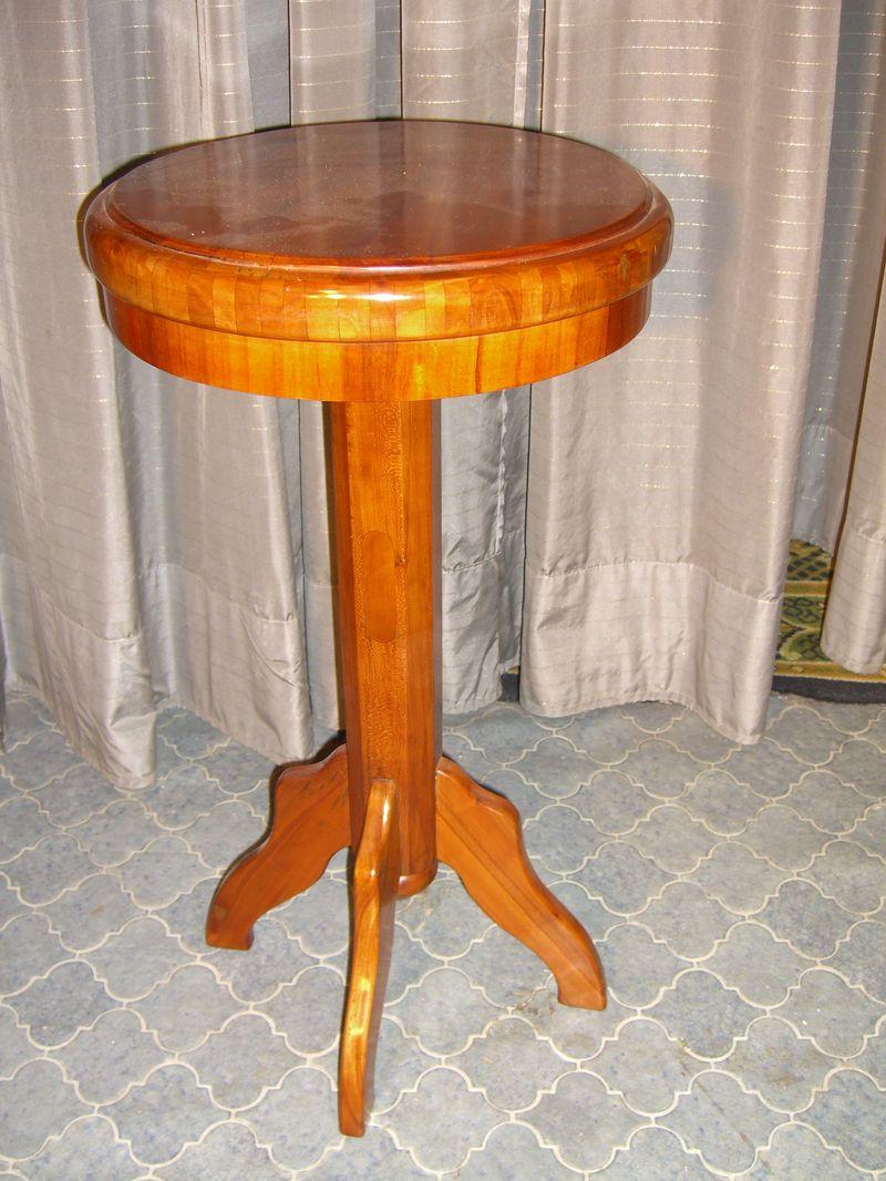 Tischchen
