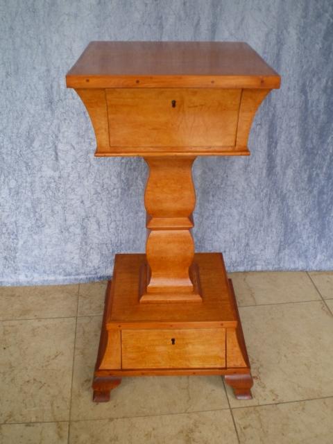 vogelaugenahorn konsole antike m bel antiquit ten restauration bracciali m nchen. Black Bedroom Furniture Sets. Home Design Ideas